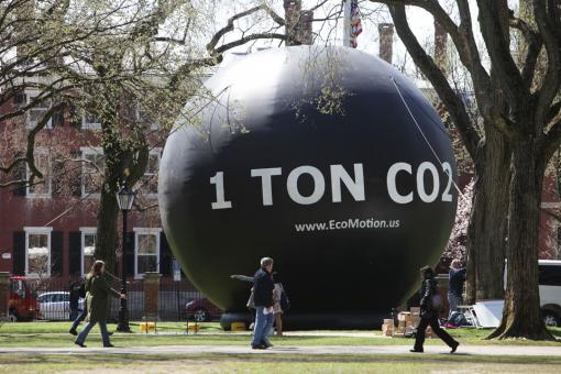 It's big. It's ugly. It's thought-provoking. - One ton of carbon dioxide might be difficult to see, but a 32-foot-tall balloon helps give carbon emissions size and shape.