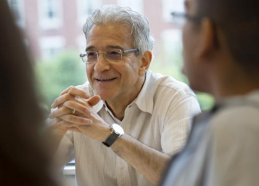 In conversation with Beautiful Souls - Omer Bartov was among nearly 90 faculty and staff who convened First Reading seminars for the Class of 2017. The entire freshman class read the same book; the discussion sessions provided a taste of college life.