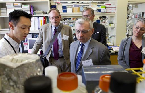Superfund-sized research - Sen. Jack Reed and state and regional environmental and health leaders toured Superfund labs at Brown's Laboratories for Molecular Medicine.