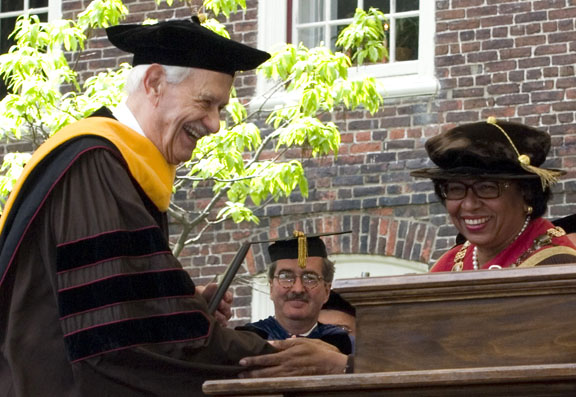 "Historicus artis medicinae fecundissimus: President Ruth J. Simmons presented an honorary Doctor of Medical Science degree to Dr. Stanley Aronson, ""prolific medical historian and newspaper columnist,"" on May 27, 2007."